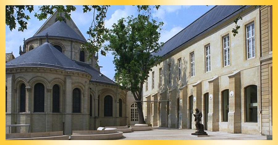 famous building museums france